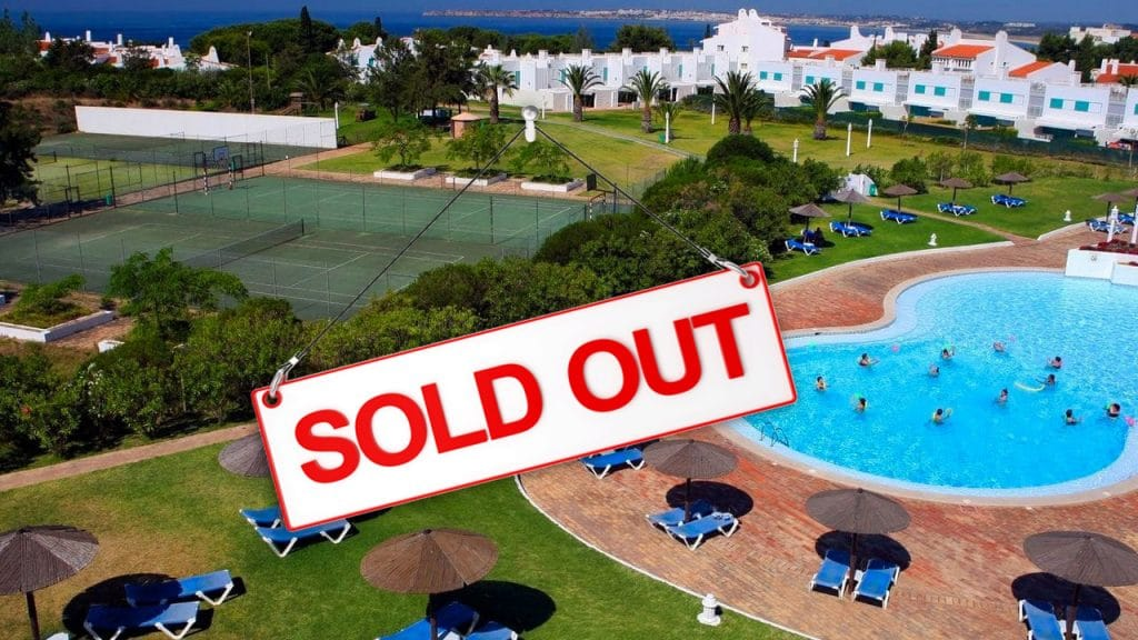 T1 CLUBE PRAINHA SOLD OUT POOL VIEW SOUL IN THE ALGARVE PORTUGAL SOUL WEEKENDER